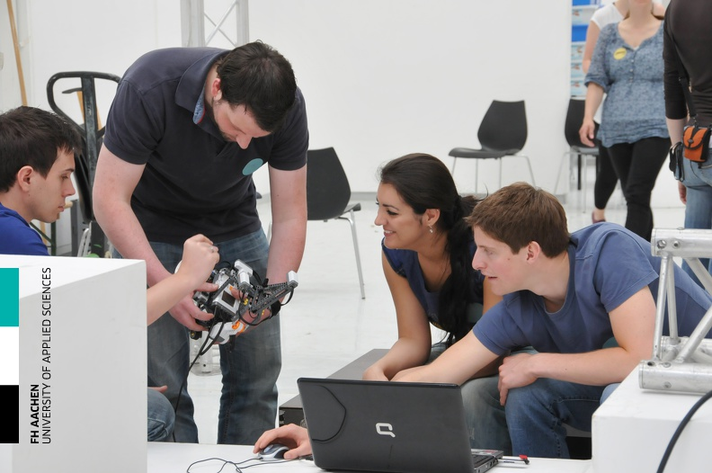 20110506_Workshop_Robotik_06.jpg